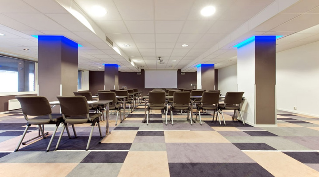 Modern and well-equipped conference room at Quality Grand Hotel in Kristiansund