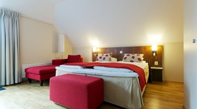 Well-furnished and comfortable superior hotel room at Quality Grand Hotel in Kristiansund