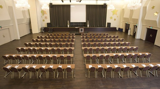Spacious and well-equipped conference room at Quality Klubben Hotel in Tonsberg