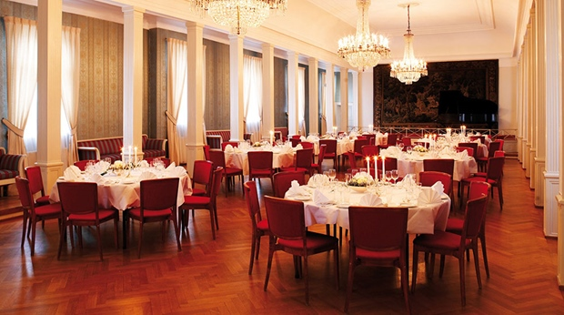 Classy ballroom dining room at Quality Klubben Hotel in Tonsberg