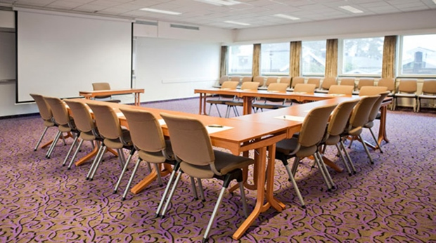 Bright and well-equipped hotel conference room at Quality Leangkollen Hotel in Asker