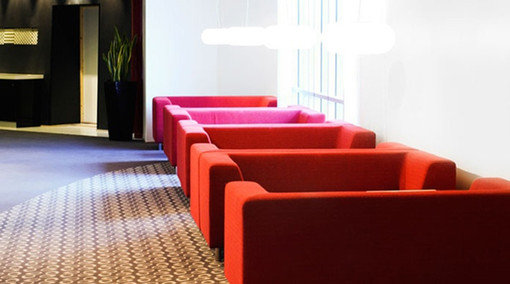Stylish and comfortable lounge area at Quality Residence Hotel in Sandnes