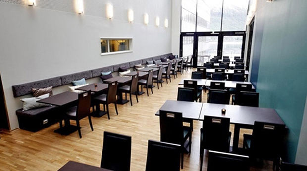 Bright and spacious breakfast buffet restaurant at Quality Saga Hotel in Tromso