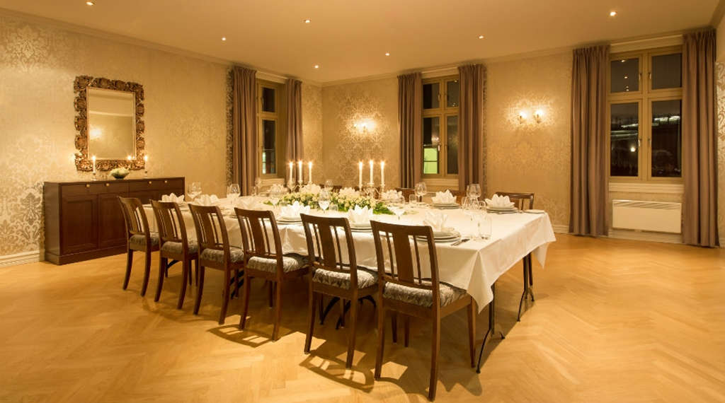 The luxurious and intimate Foynstuene restaurant at Quality Tonsberg Hotel