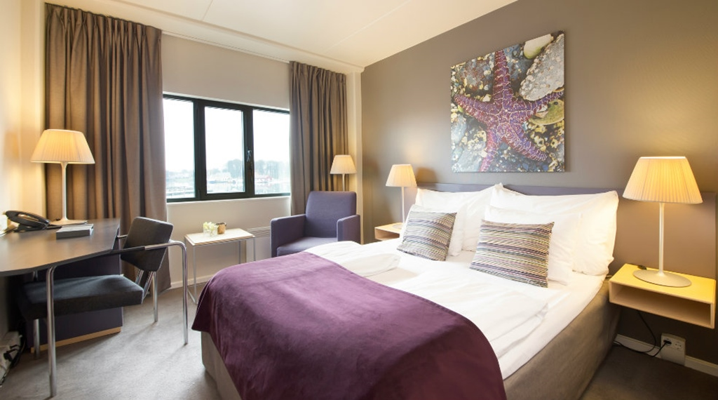 Well-equipped standard double room at Quality Tonsberg Hotel