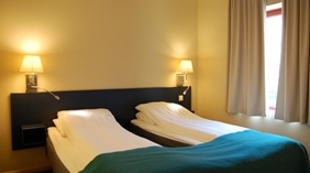 Stylish moderate twin hotel room at Quality Tonsberg Hotel
