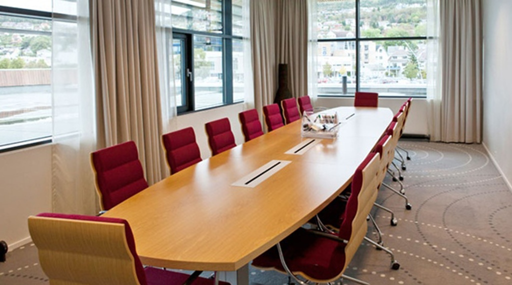 State of the art Grasoy meeting room with 18 participants at Quality Ulstein Hotel in Ulsteinvik