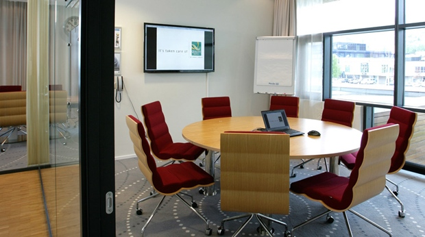Modern and well equipped meeting room at Quality Ulstein Hotel in Ulsteinvik