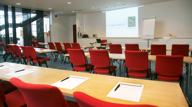 The modern and well equipped Skjervoy conference room at Quality Ulstein Hotel in Ulsteinvik
