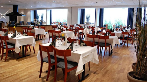 Bright and spacious restaurant at Quality Hotel Vanersborg