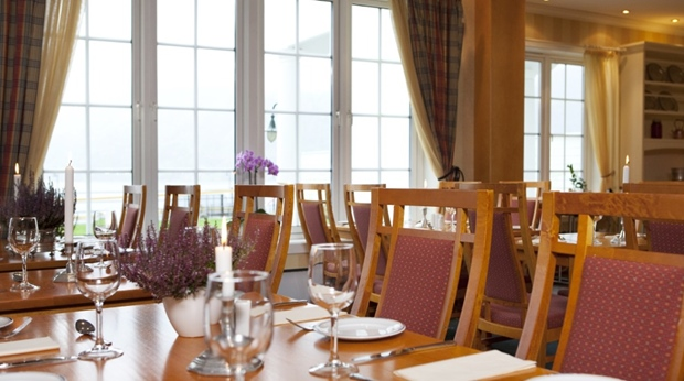 Bright and stylish restaurant at Quality Voringfoss Hotel in Eidfjord