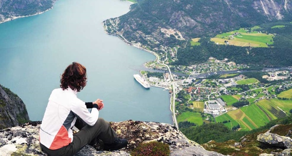 Enjoy the breathtaking view of the Hardangerfjord when going hiking at Quality Voringfoss Hotel in Eidfjord