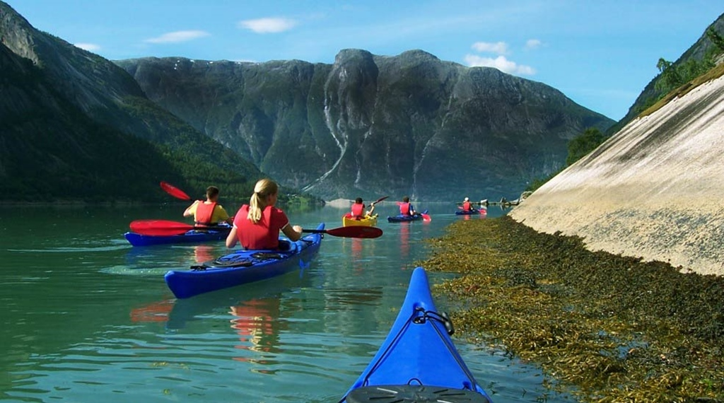 Kayaking in the Hardangerfjord is simply world class at Quality Voringfoss Hotel in Eidfjord