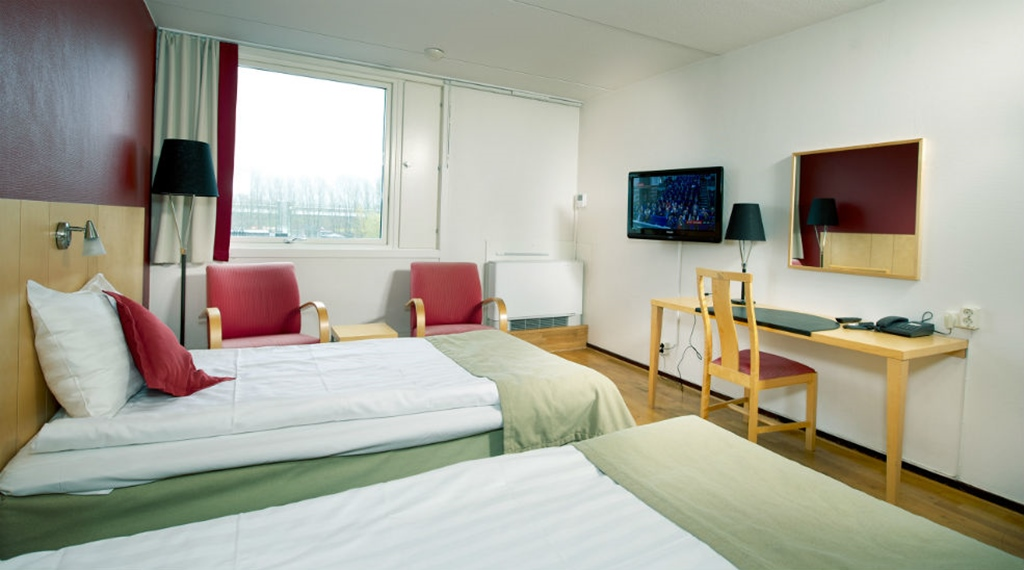 Spacious and well-equipped family room at Quality Winn Hotel in Goteborg