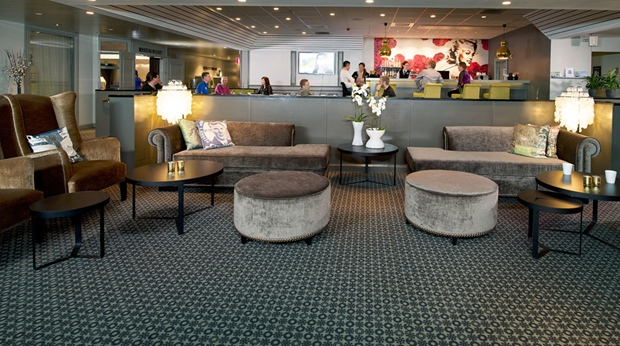 Large reception area including the elegant lobby at Quality Winn Hotel in Goteborg